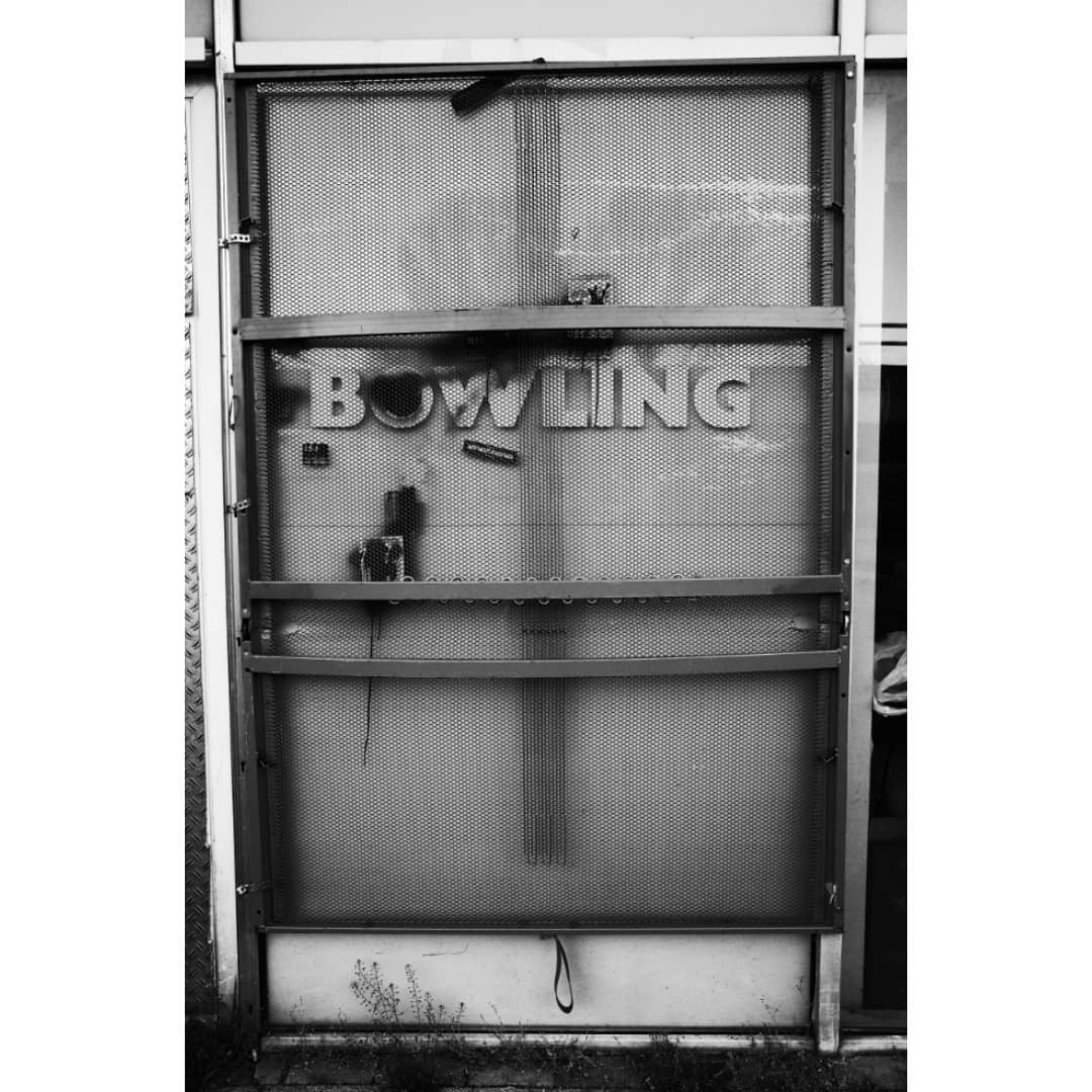 Bed Bowling Typical Noord sport  Urban Typography |  Photographer Noord Amsterdams Nieuwsblad |  Amsterdam Utrecht Genova |  Ricoh GR | Huawei Leica |  DM for collaboration